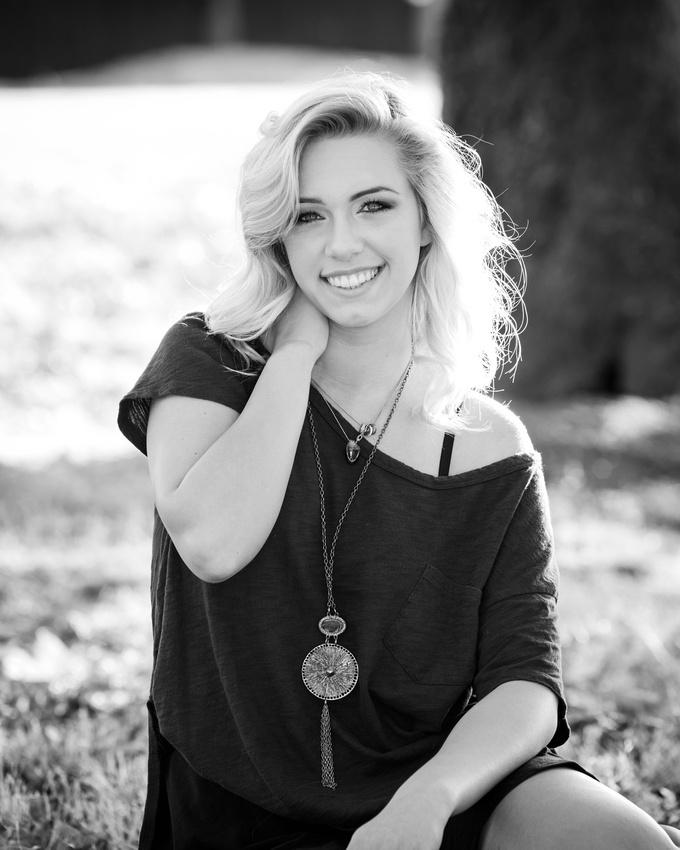 Kaitlyn senior-6