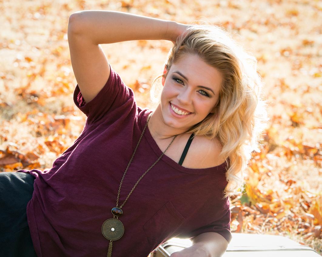 Kaitlyn senior-18